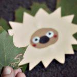Basteln mit Kindern – Ein Igel versteckt sich im Herbstlaub