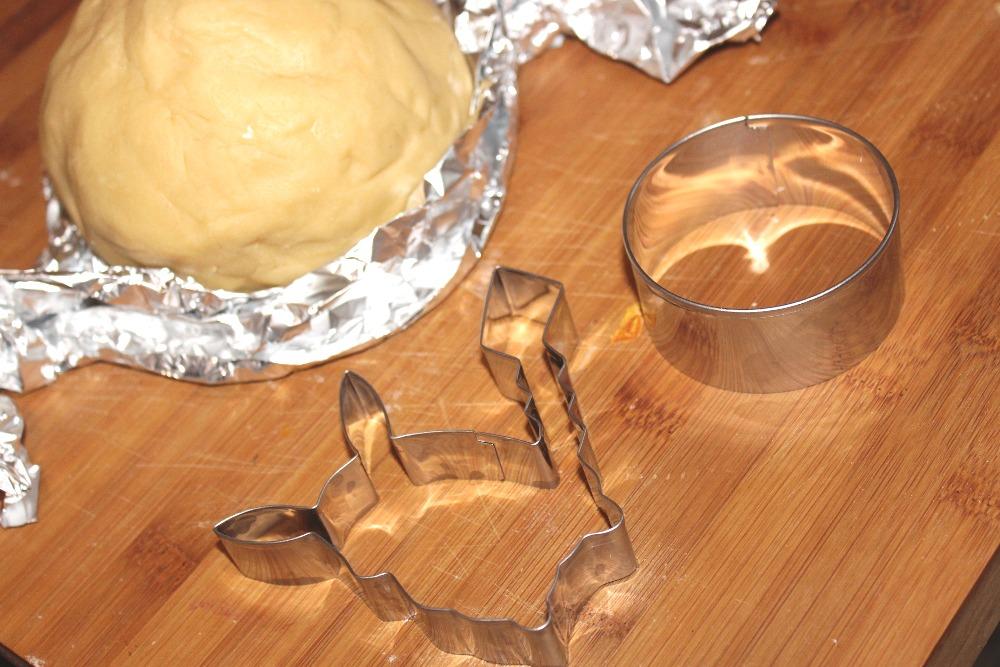 am 2 advent backen wir leckere pok mon kekse werbung gewinnspiel. Black Bedroom Furniture Sets. Home Design Ideas