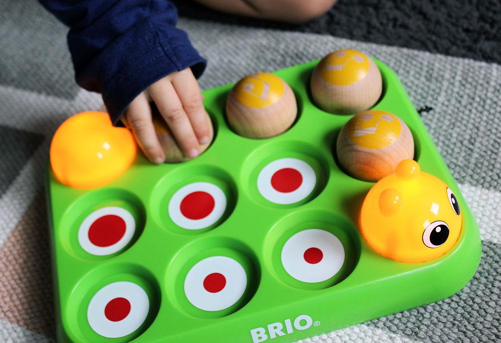 Brio Musikspiel Raupe Holzspielzeug Motorikspielzeug