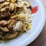 Heldenküche – Ein einfaches Pilz-Curry mit Basmati Reis