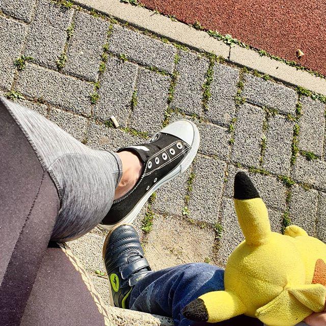Heute feiern der kleine und ich mal den großen Bruder schon am Vormittag an!  #familie #alltag #kinder #lebenmitkindern #sport #bjs #bundesjugendspiele