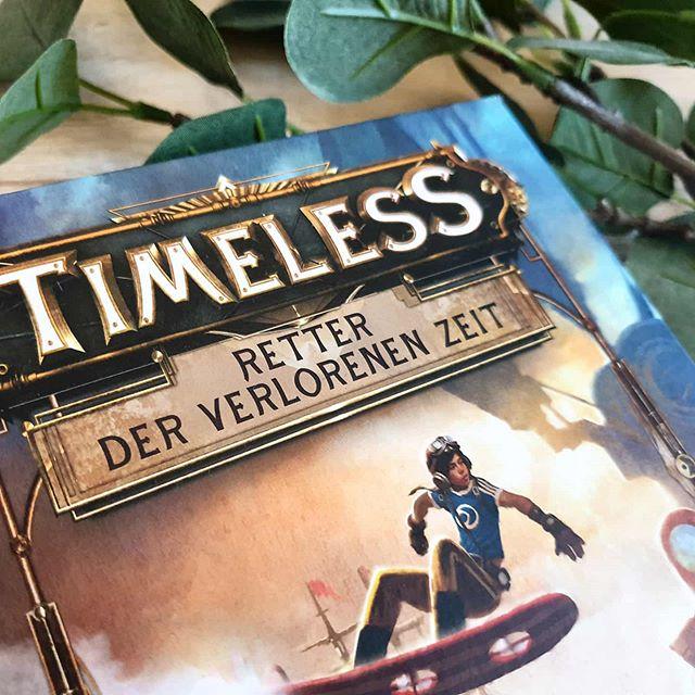 Rezension  Zur Abwechslung habe ich euch heute mal ein Jugendbuch mitgebracht. Das war ein ziemlicher Brocken, eine Art Großprojekt, das der Held mit dem großen Sohn gemeinsam angegangen ist.  Zusammen haben sie nämlich